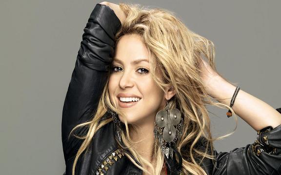 http://freeax.persiangig.com/1391/02/1765/Shakira_AllPhoto-Ir_1765-7_M.JPG